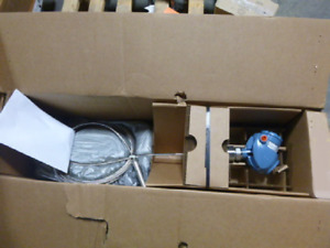 New In Box Rosemount 5300 Series Guided Wave Solids Level Transmitter 5303