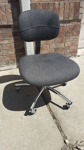 Classic Steelcase Rolling Chrome Upholstery Office Secretary Adjustable Chair