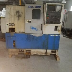 Used Daewoo Lynx 200a Cnc Turning Center Lathe Fanuc 21 Tailstock Chip Con 1998