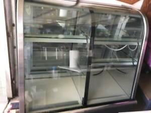 Dual Zone Glass Bakery Case very Good Condition local Pickup Or Drop Off For Fee