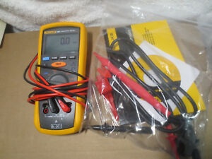 Fluke 1507 Insulation Tester Near Mint Accessories Manual Cd Leads