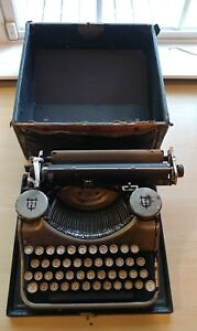 Rare Vintage Underwood Typewriter With Carrying Case Glass Keys