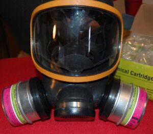 3m Easi air Full Facepiece Respirator With 2 Cartridges And 10 Replacement Cartr
