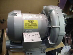 New Gast 1 2hp Regenair Regenerative Ring Blower Vacuum 3ph Motor R3305a 1