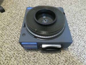 Elmo Trs 35xg Slide Projector 35mm Video vga with tray Vga And power cords