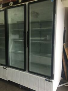 Master bilt Bmg48 2 Door Glass Refrigerator Cooler Merchandiser