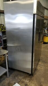 True Tg2f 2s Two Solid Door Reach in Freezer