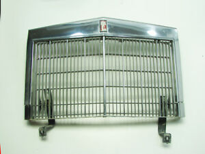 80 83 Lincoln Mark Vi Town Car Grille