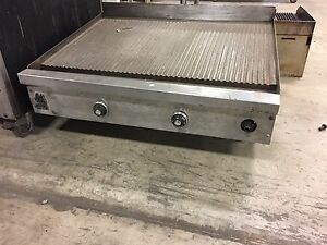 Used Wolf 36 Grooved Griddle With Thermostatic Controls Natural Gas