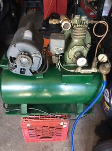 Vintage Air Compressor 2hp Excellent Running Condition