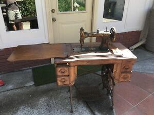 White Rotary Antique Sewing Machine In Original Wooden Case Pick Up Only