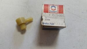 Nos Gm 1964 72 Chevy Corvette 66 70 Olds Vacuum Power Brake Check Valve 5472143