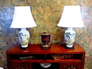 Pair Of 32 Tall Chinese Porcelain Vase Lamp Depicting 100 Cranes
