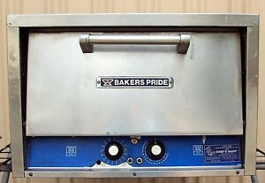 Bakers Pride Counter Top Pizza Pretzel Oven Model P22
