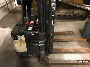 2 Crown Electric Forklift Walkie Stacker Walk Behind Ws 2000 And 1 Pw3520 60