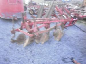 Massey Ferguson 82 3 Pan Plow 14 High Clearance Good Plow