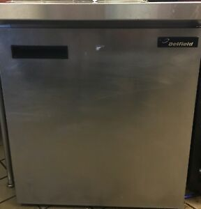 Delfield 406 ca 5 7 Cu Ft Portable Commercial Refrigerator