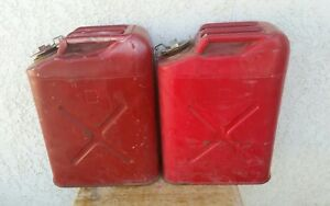 Lot Of 2 Vintage Dot 5l Red 5 Gallon Metal Usmc Jerry Gas Spout Fuel Can Jeep