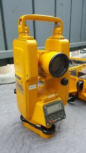 Topcon Dt 30 Electronic Digital Transit Theodite For Surveying With Hard Case