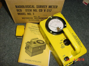 04 Cdv 717 Victoreen Radiation Detector Survey Meter Ser 64318 W box