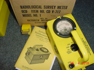 06 Cdv 717 Victoreen Radiation Detector Survey Meter Ser 64315 W box
