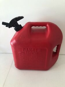 5 Gallon Gas Can Blitz 5cxg Two Handles Enviro Flo Nozzle