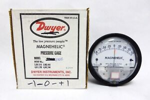 Dwyer Magnehelic Differential Pressure Gage 1 0 1 Model 2302 Used a 12