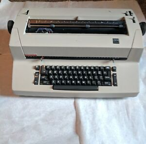 Ibm Correcting Selectric Ii Typewriter With Manual Accessories tested Working