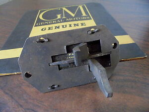 33 34 35 Chevrolet Standard Coupe Sedan Nos 3spd Gearshift Interlock Guide Plate