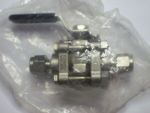 1 Swagelok Stainless Steel 3 piece 60 Series Ball Valve 1 4 Tube Ss 62ts4