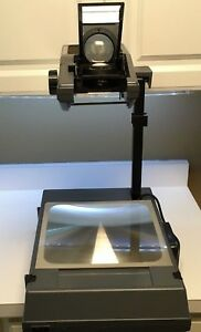 3m R2000ag Portable Overhead Projector Excellent Condition