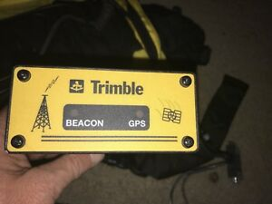 Trimble Beacon Gps 29654 11 With Power Supply Data Cable Back Pack