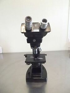 Bausch Lomb Microscope With 4 Objectives 10x 40x 100x 35 S2503x
