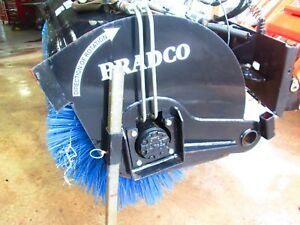 Bradco Skid Steer Power Angle Hydraulic Broom 32050 Universal Quick Attach Used