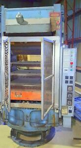 Hydraulic Post Press 600 Ton Rubber Molding Electric Platens