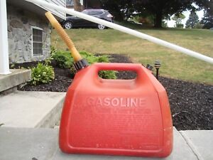 Rubbermaid 5 Gallon Plastic Vented Old Style Gas Can Fuel Jug Gasoline Can
