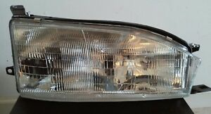 Headlight Assembly For 1992 1994 Toyota Camry Passenger Side Right