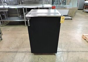 Glastender Kc24 nc bs1 r Commercial 24 Keg Cooler One Door Self contained