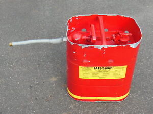 Safe t way Jerrican Fuel Container W Quick Release 5 Gallon Flex Spout Used
