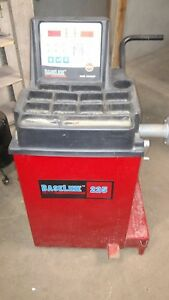 2013 Coats Baseline 225 Tire Wheel Balancer Very Little Use Shipping Available