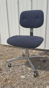 Vintage Chrome Navy Blue Steelcase Model 421 Trilogy Rolling Desk Office Chair