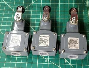 Leuze S300 m13c3 m20 31 Safety Limit Switches lot Of 3 New Switches