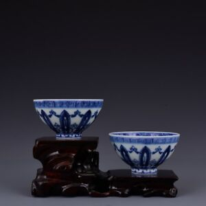 A Pair China Antique Porcelain Ming Xuande Blue White Painting Flower Bowl Cup