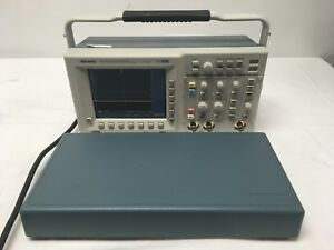 Tektronix Tds3032b 300mhz Color Lcd Oscilloscope W Cover Tdsfft Tds3trg Tested
