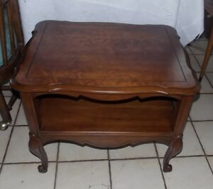 Cherry Caned Sides French End Table Side Table T411