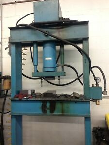 Hydraulic Press 30 Ton Excellent Working Condition