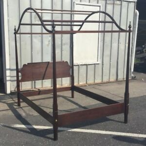 Vintage Statton Old Towne Chippendale Mahogany Full Size Poster Bed