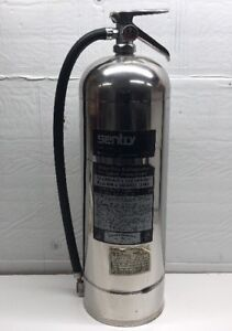 Vintage Sentry 2 1 2 Gallon Water Pressurized Silver Fire Extinguisher Ss 2 5 b
