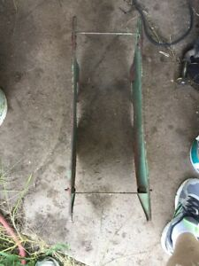 John Deete 494 Corn Planter Fertilizer And Insecticide Boxes Mounting Bracket
