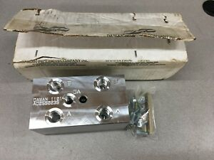 New In Box Daman Hydraulic Manifold Ad05s023s
